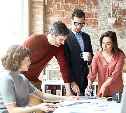 decidir-entre-nuevos-talentos-o-reorganizar-tu-equipo-infojobs