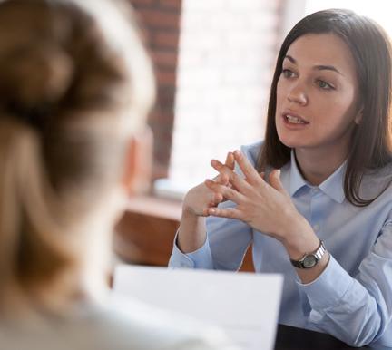 Entrevista de trabajo en la que se evalúa el desempeño
